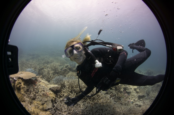 Elizabeth learning how to take Underwater Street View imagery.